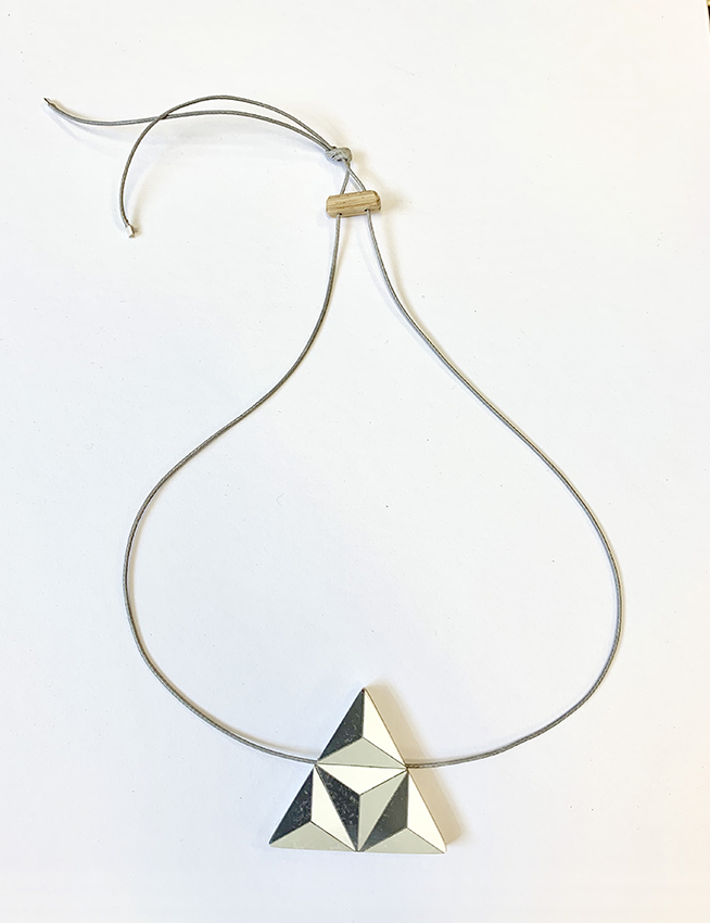 Tri formica necklace